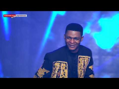 Miracle Papa { LIVE MINISTRATION AT THE PRAISE OVATION }